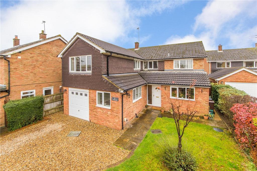 5 Bedrooms Detached House for sale in Yeomans Avenue, Harpenden, Hertfordshire