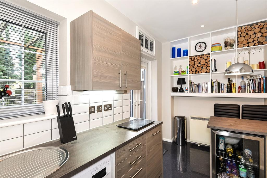 2 Bedrooms Terraced House for sale in Avon Place, River Street, Pewsey, Wiltshire
