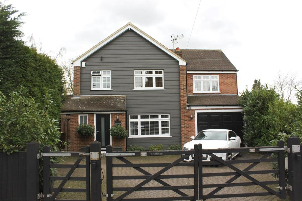 4 Bedrooms Detached House for sale in Main Road, Bicknacre