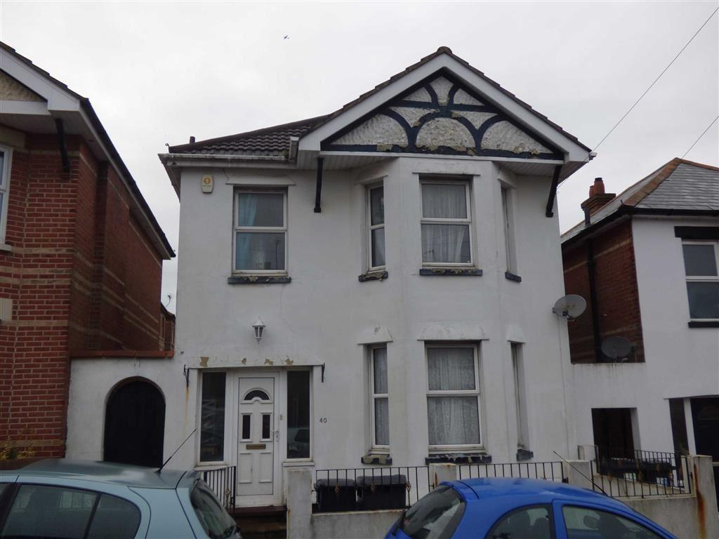 4 Bedrooms Detached House for sale in Abbott Road, Charminster, Bournemouth, Dorset, BH9
