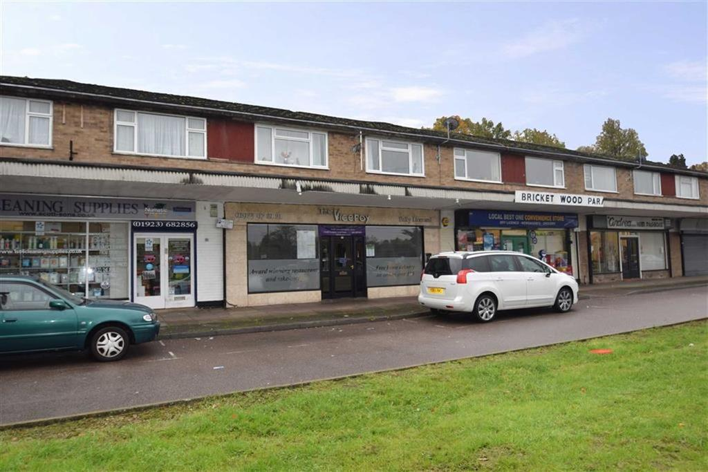 2 Bedrooms Apartment Flat for sale in Old Watford Rd, Bricket Wood St. Albans, Herts