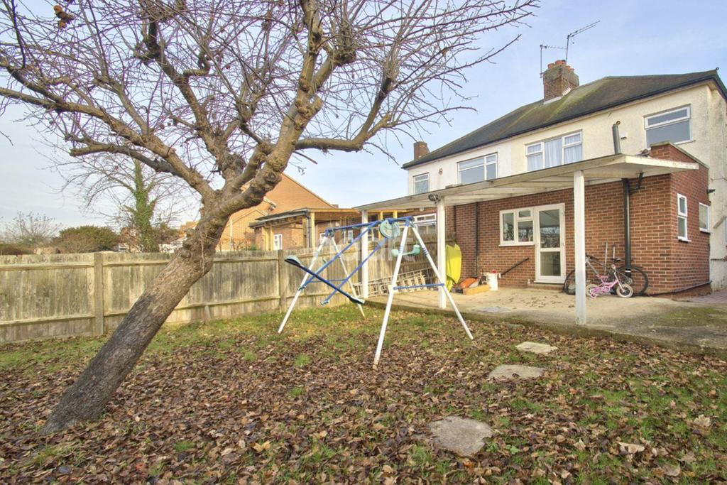3 Bedrooms Semi Detached House for sale in Dorchester Avenue, Harrow