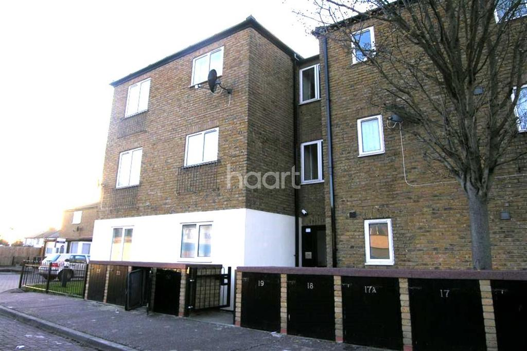 1 Bedroom Flat for sale in South Hayes