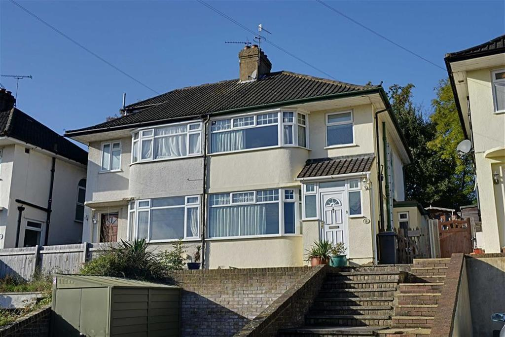 3 Bedrooms Semi Detached House for sale in Woodlands Road, Hertford, Herts, SG13