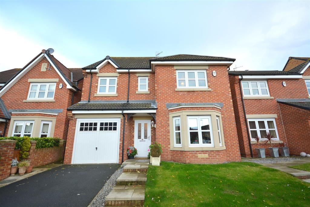 4 Bedrooms Detached House for sale in Southside Gardens, South Hylton, Sunderland