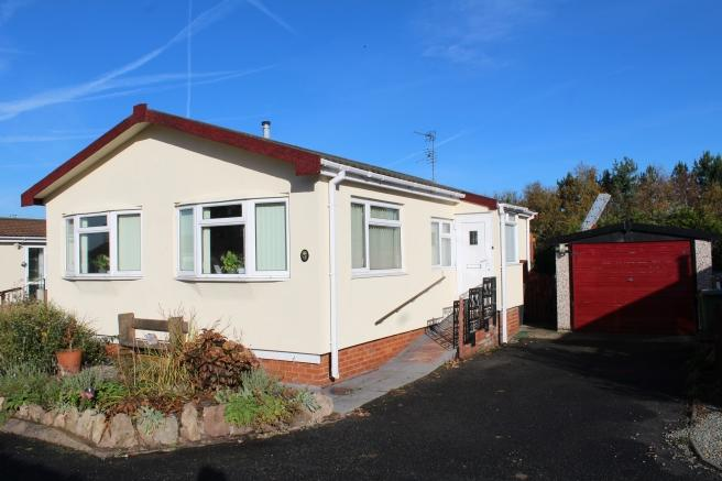 2 Bedrooms Park Home Mobile Home for sale in 10 Ashmore Close, Muxton, Telford, Shropshire, TF2 8NT