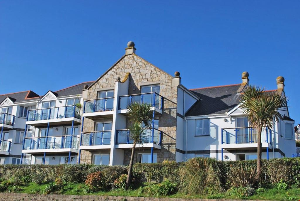 1 Bedroom Ground Flat for sale in Penzance, Cornwall, TR18