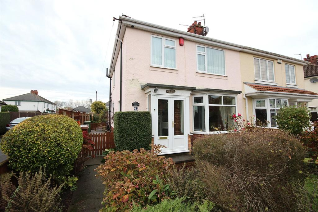 3 Bedrooms Semi Detached House for sale in Weelsby Avenue, Grimsby, DN32