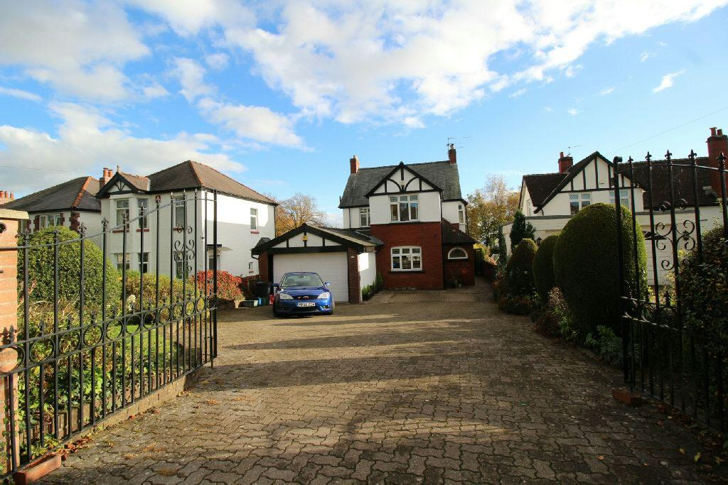 4 Bedrooms Detached House for sale in Christchurch Road, Newport