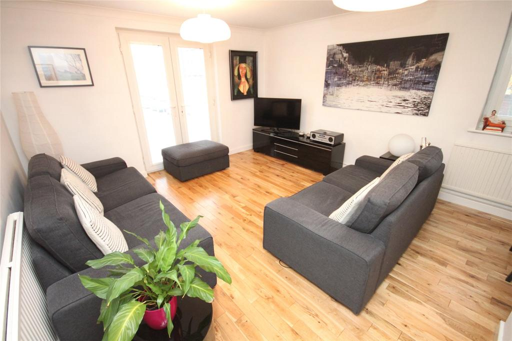 2 Bedrooms Flat for sale in Culvercliff Walk, Manchester, Greater Manchester, M3