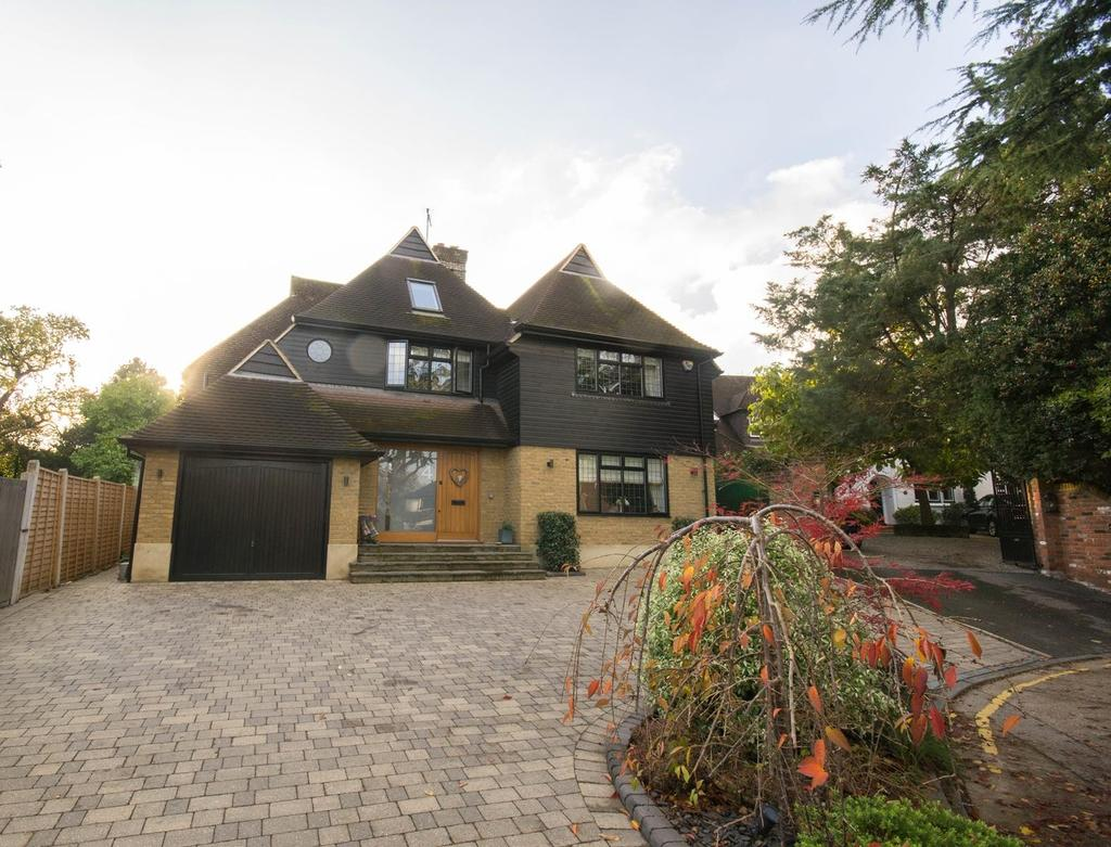 5 Bedrooms Detached House for sale in Shenfield, Brentwood, Essex, CM15