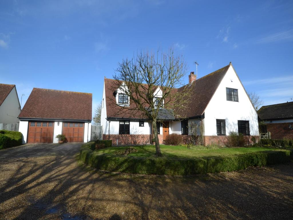 4 Bedrooms Detached House for sale in Bannister Green, Felsted, Dunmow, Essex, CM6