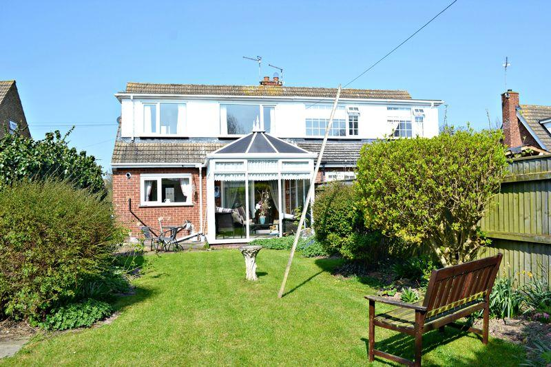 3 Bedrooms Semi Detached House for sale in Swallow Drive, Healing