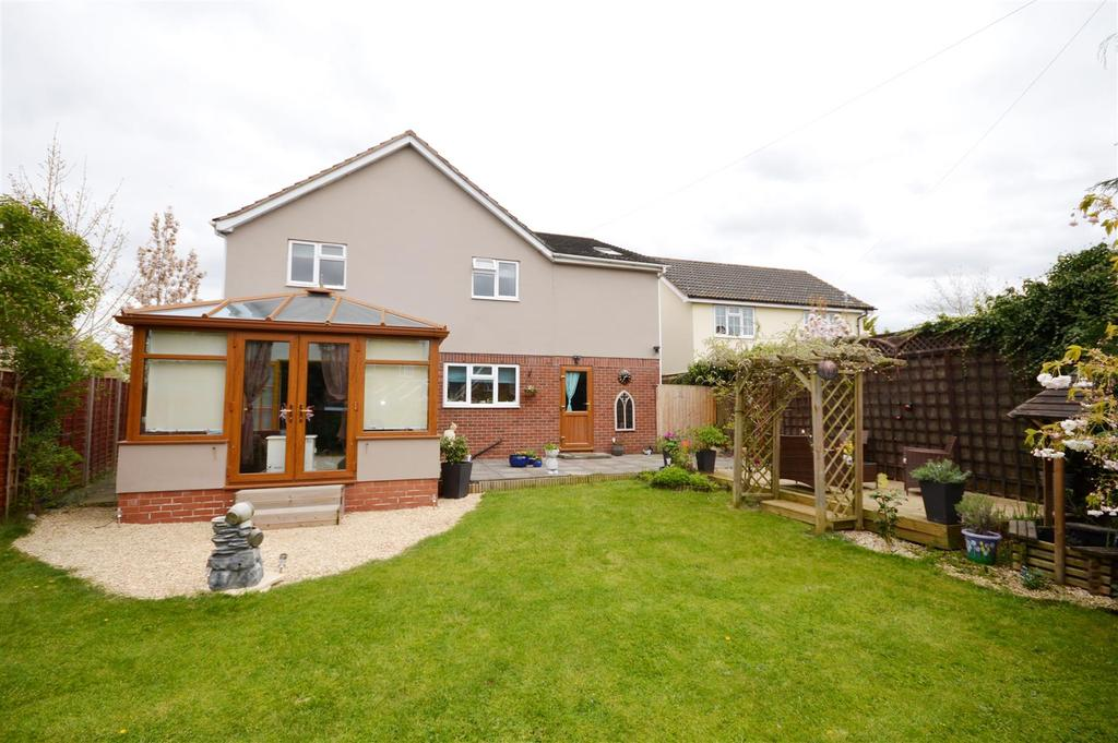 4 Bedrooms Detached House for sale in Withington, Hereford