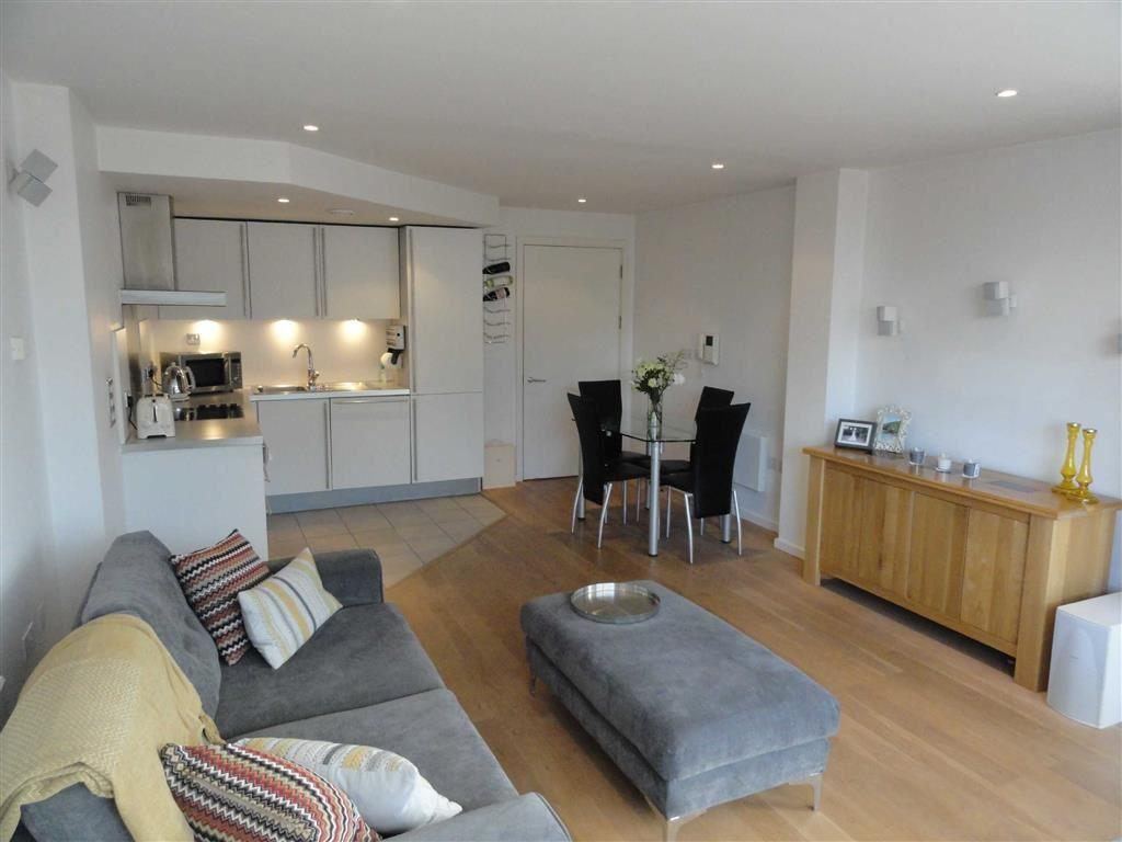 2 Bedrooms Flat for sale in Castlegate, 2 Chester Road, Castlefield