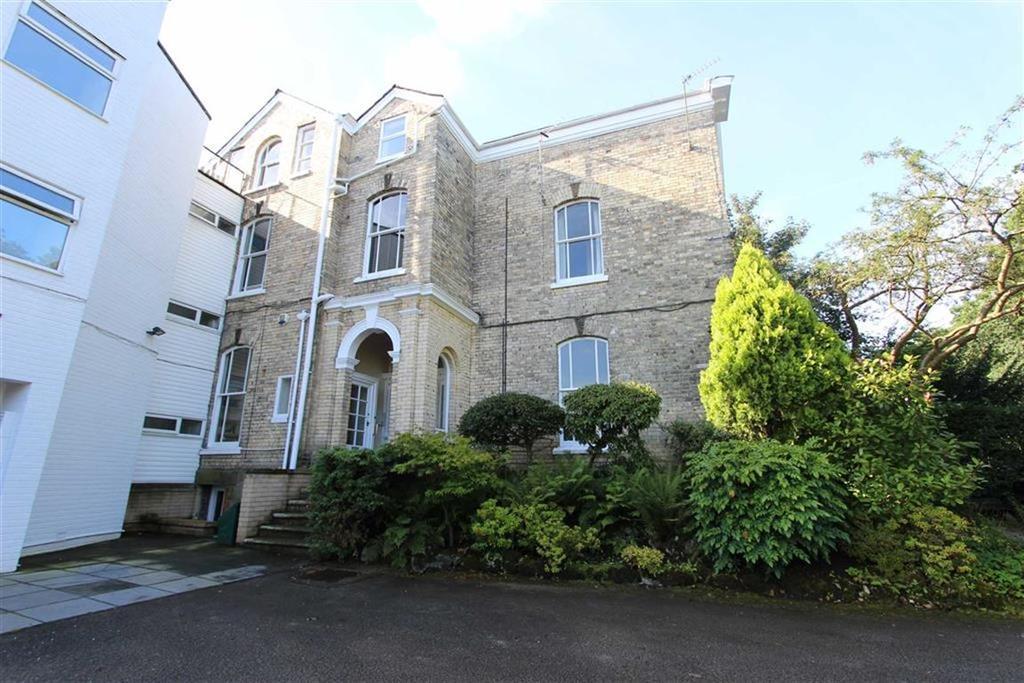 2 Bedrooms Apartment Flat for sale in Davey Lane, Alderley Edge