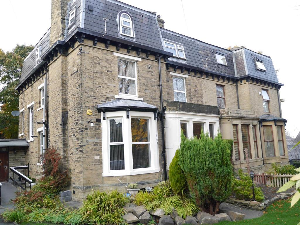 7 Bedrooms Semi Detached House for sale in Park View Road, Heaton, Bradford, BD9 4PA