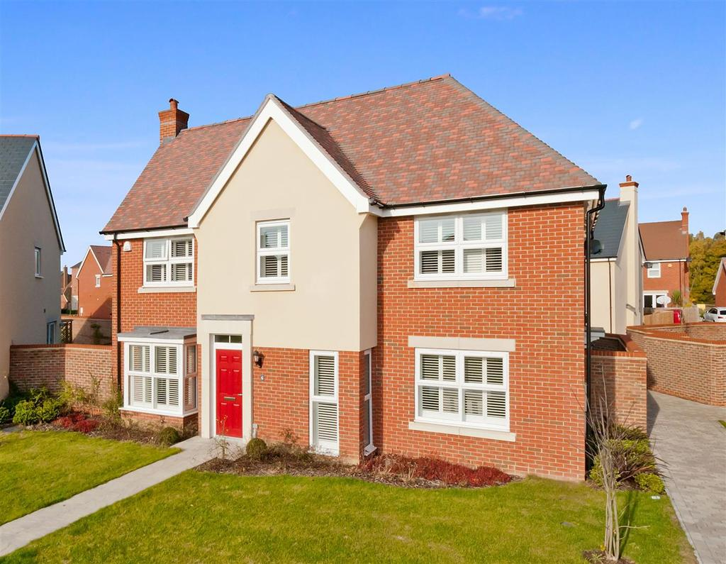 5 Bedrooms Detached House for sale in Waterloo Walk, Kings Hill, ME19 4QS