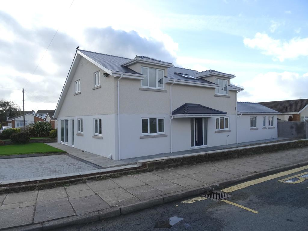 4 Bedrooms Detached House for sale in CALDY CLOSE, NOTTAGE, PORTHCAWL, CF36 3QL