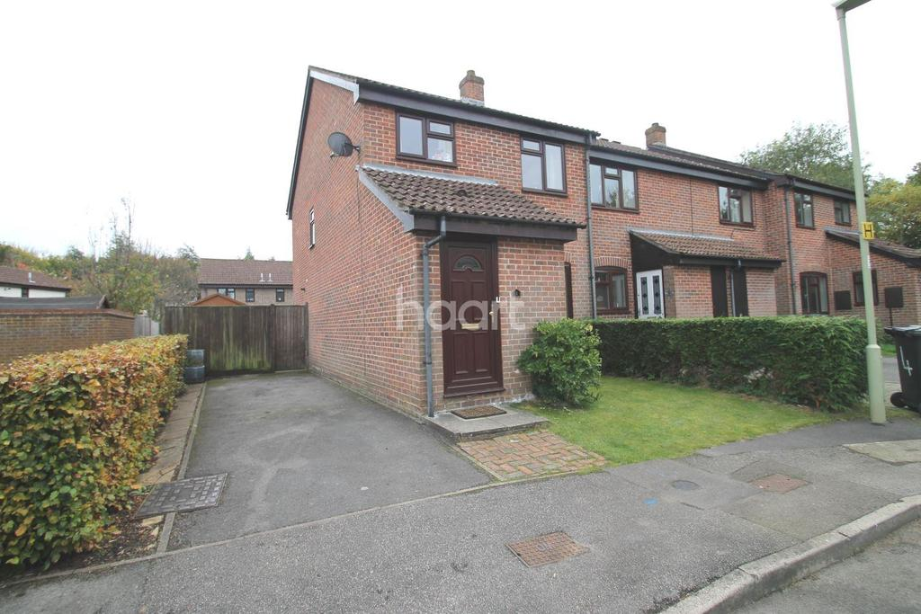 3 Bedrooms End Of Terrace House for sale in York Close, Petersfield