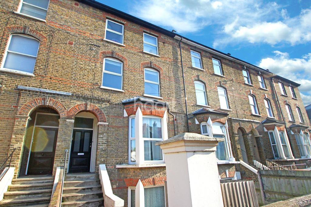 3 Bedrooms Flat for sale in Atherton Road, London, E7