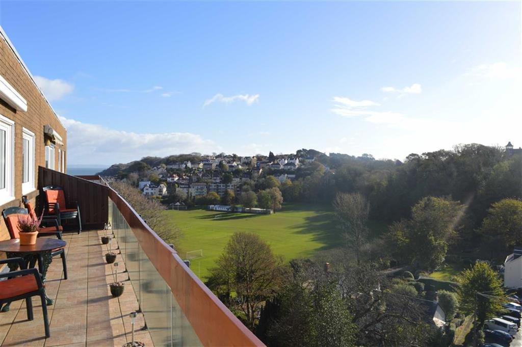 2 Bedrooms Flat for sale in Callencroft Court, Mumbles, Swansea