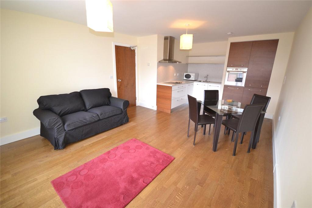 1 Bedroom Apartment Flat for sale in Falcon Drive, Cardiff Bay, Cardiff, CF10