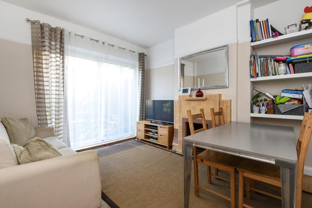 3 Bedrooms Terraced House for sale in Gipsy Road, West Norwood