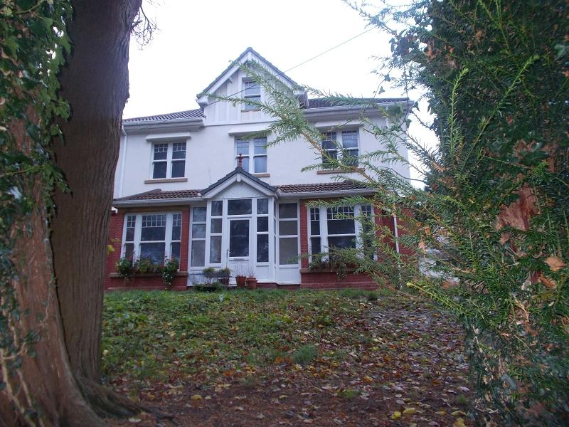 6 Bedrooms Detached House for sale in Dulais Road, Seven Sisters, Neath, Neath Port Talbot.