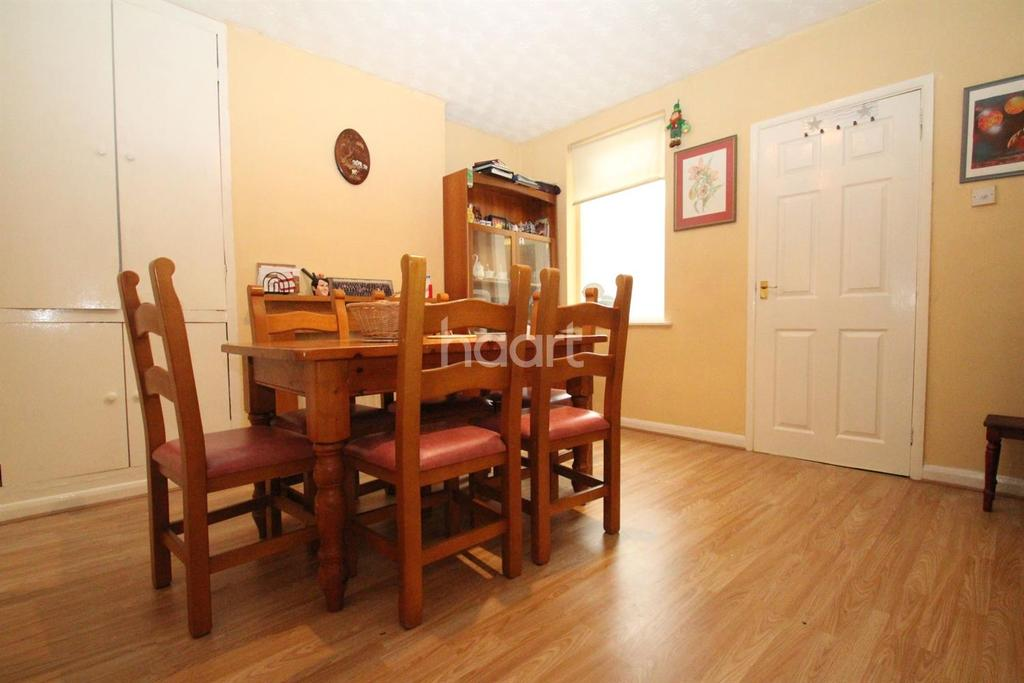 2 Bedrooms Terraced House for sale in Burghley Road, Peterborough