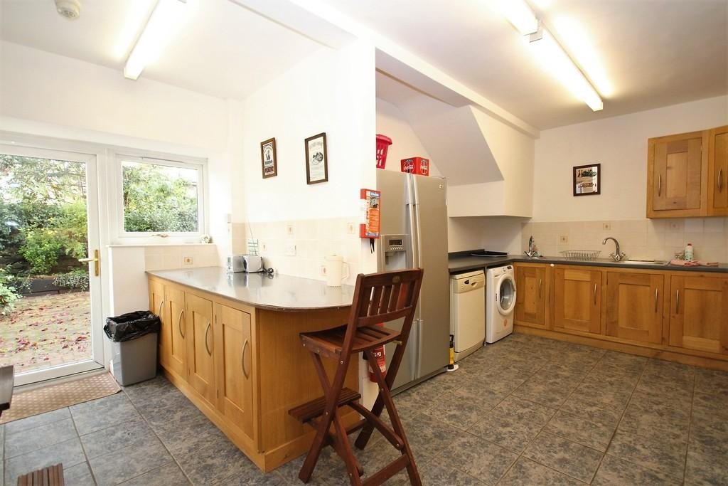 7 Bedrooms Semi Detached House for sale in Eeabank Lodge, 123 Station Road, Cark-in Cartmel