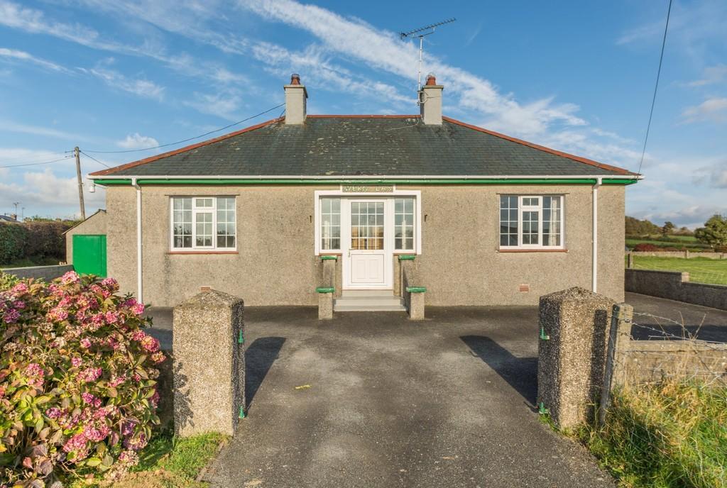 2 Bedrooms Detached Bungalow for sale in Efailnewydd, Pwllheli, North Wales