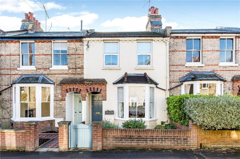 3 Bedrooms Terraced House for sale in Hyde Close, Winchester, Hampshire, SO23