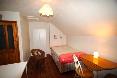 Studio to rent - North View, Westbury Park, Bristol