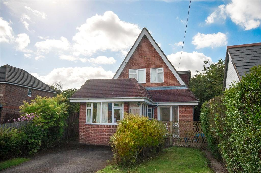 4 Bedrooms Detached House for sale in Grazeley Road, Three Mile Cross, Reading, RG7