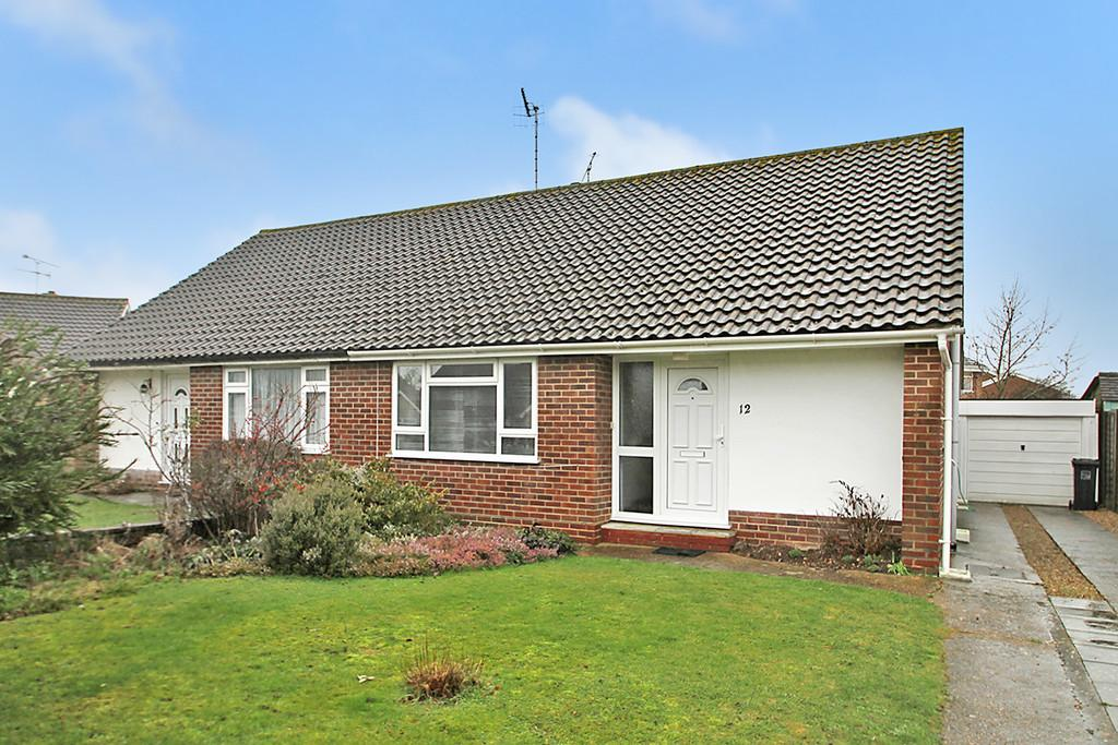 2 Bedrooms Semi Detached Bungalow for sale in Ainsdale Close, Worthing BN13 2QX