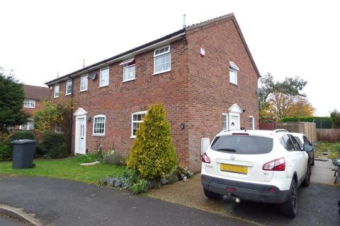 2 bedroom semi-detached house to rent - Eagle Close, Luton, Beds, LU4 0TE