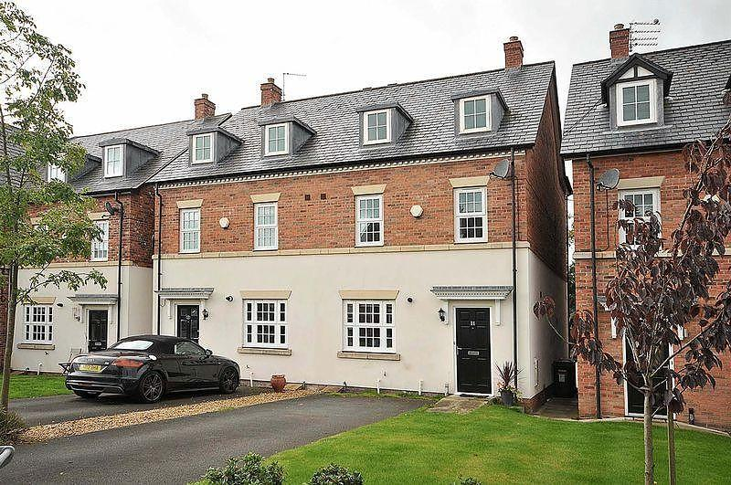 4 Bedrooms Town House for sale in Appleby Crescent, Mobberley, Knutsford