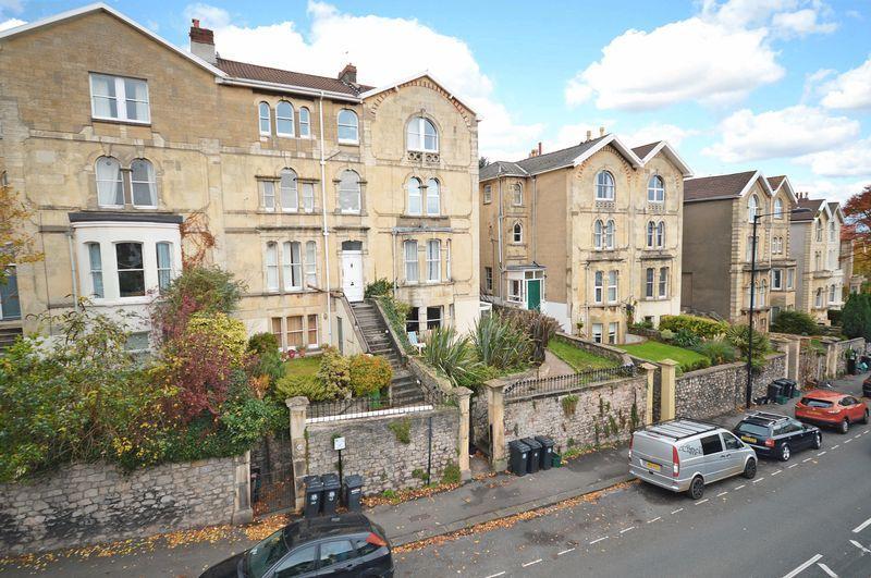 2 Bedrooms Apartment Flat for sale in Garden Flat, Redland Road, Redland, Bristol, BS6 6XX