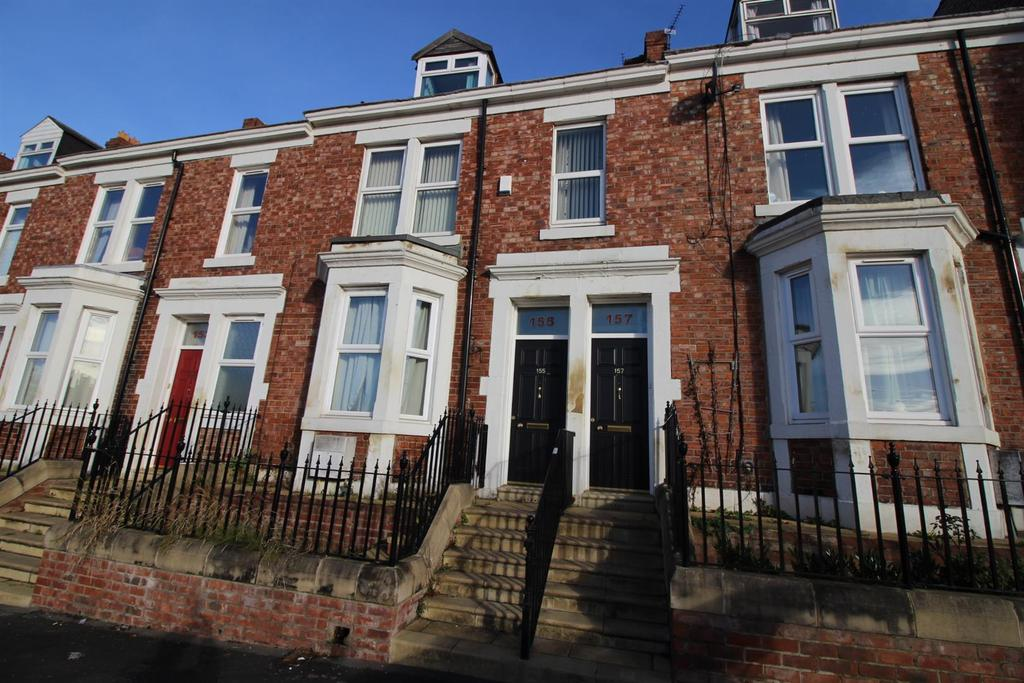 3 Bedrooms Maisonette Flat for sale in Brighton Road, Gateshead