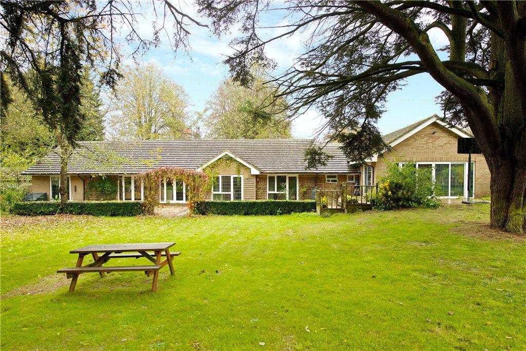 6 Bedrooms Detached Bungalow for sale in Watling Street, Nether Heyford, Northampton, Northamptonshire