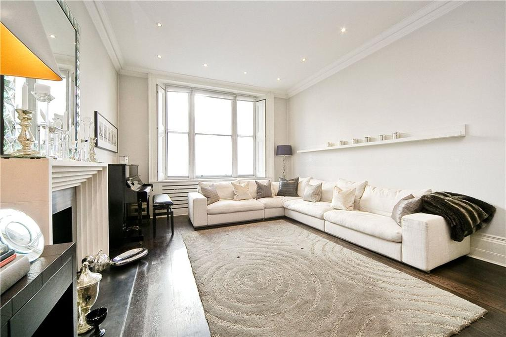 3 Bedrooms Flat for sale in Strathearn Place, Near Hyde Park, London, W2