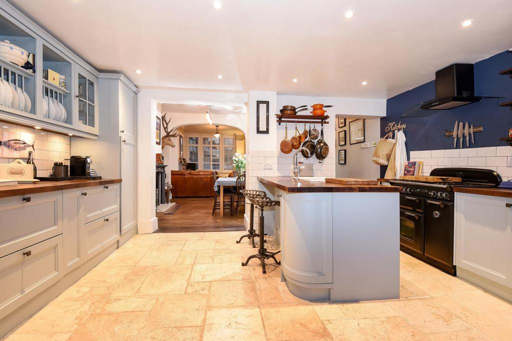 2 Bedrooms Terraced House for sale in Ashbourne Road, Mitcham, CR4