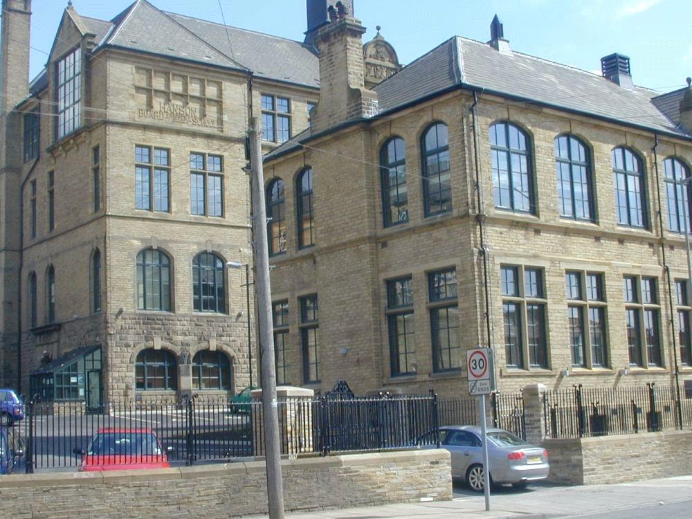 2 Bedrooms Apartment Flat for sale in Byron Halls, Bradford, BD3