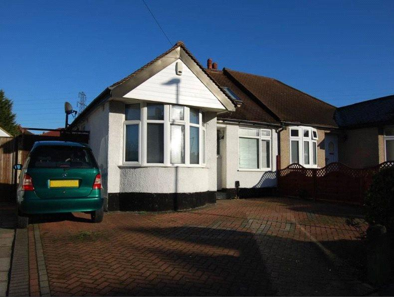 1 Bedroom Semi Detached Bungalow for rent in Sutherland Avenue, Welling, Kent, DA16