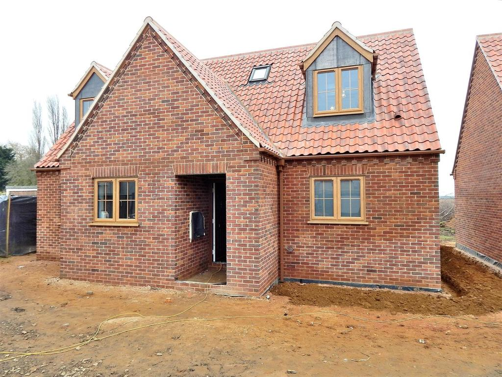 3 Bedrooms Chalet House for sale in Tilney St. Lawrence, Norfolk