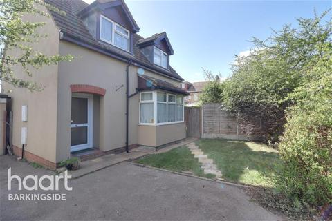 2 bedroom detached house to rent - Ashurst Drive - Barkingside - IG6