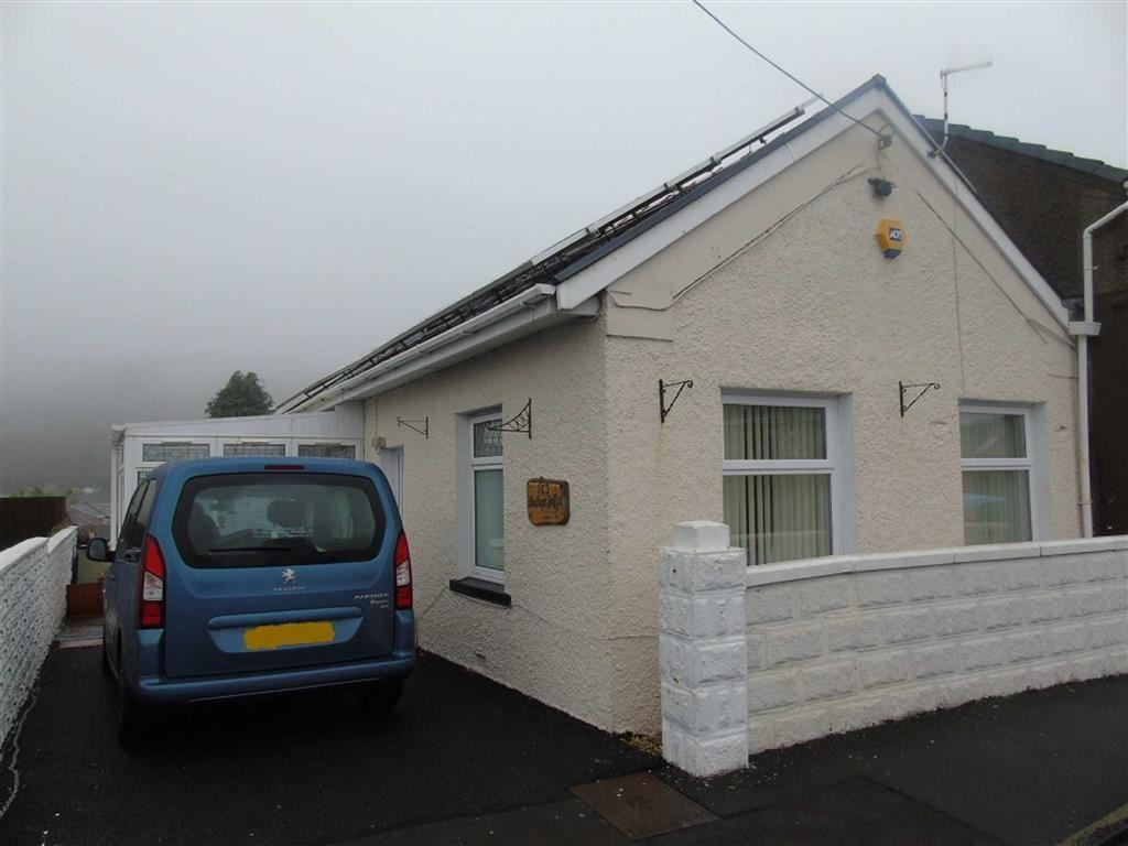 2 Bedrooms Semi Detached Bungalow for sale in Elkington Road, Burry Port, Llanelli