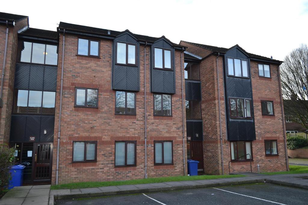 2 Bedrooms Flat for sale in Stoney Croft, Cannock