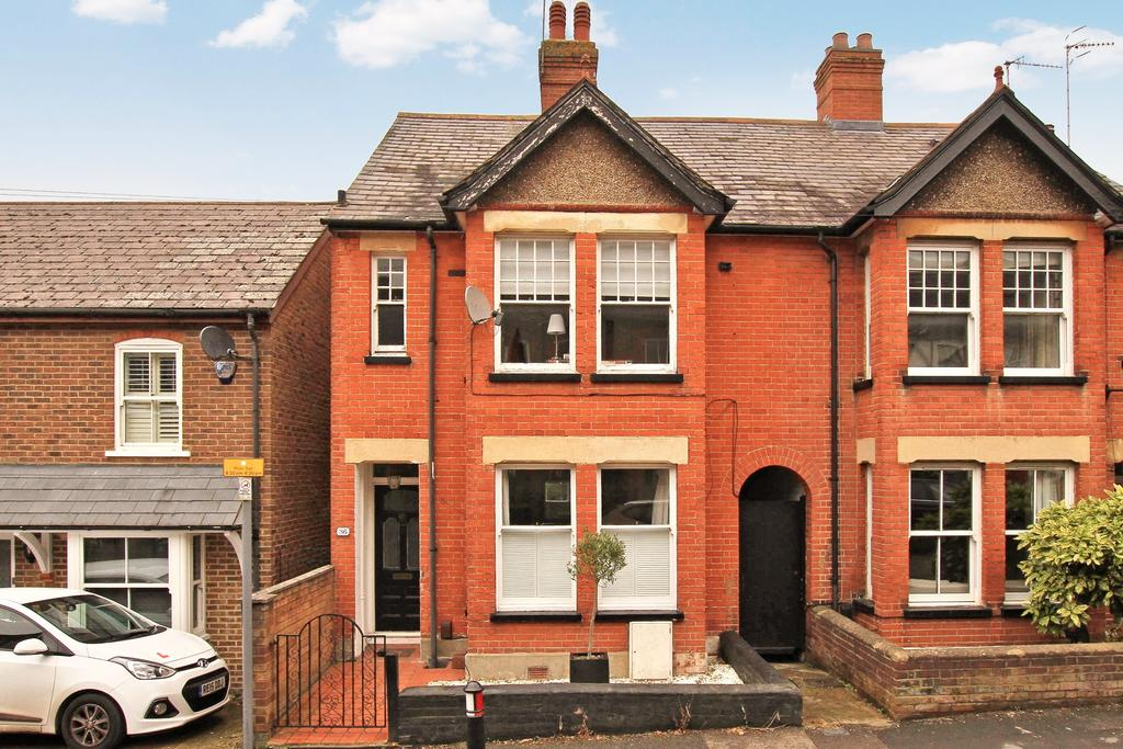 3 Bedrooms Semi Detached House for sale in Charles Street, Berkhamsted HP4